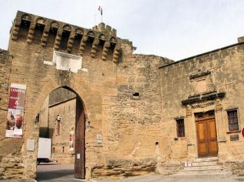 Les monuments de salon de provence - Chateau salon de provence ...