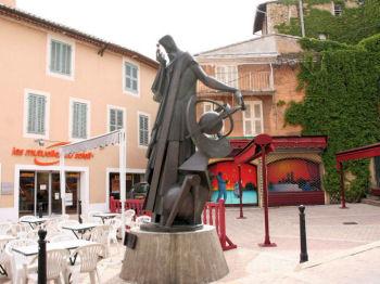 Les statues dans salon de provence - Salon des gourmets salon de provence ...